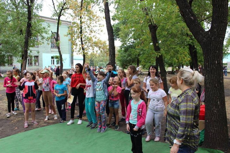 Діти творчих та спортивних колективів Добропілля зустріли творчий і спортивний сезон, фото-2