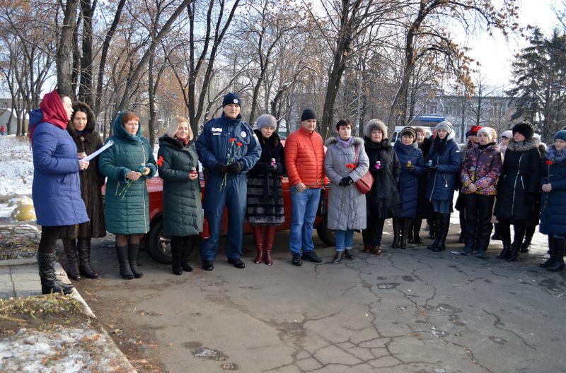 В Добропіллі вшанували пам'ять жертв Голодоморів, фото-1