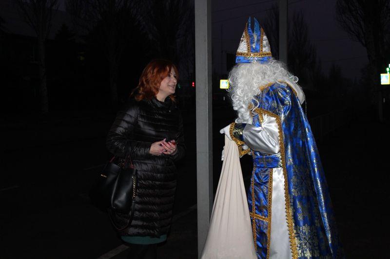В Добропіллі відсвяткували День Святого Миколая та запалили головну ялинку міста, фото-2