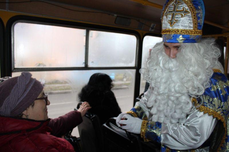 В Добропіллі відсвяткували День Святого Миколая та запалили головну ялинку міста, фото-3
